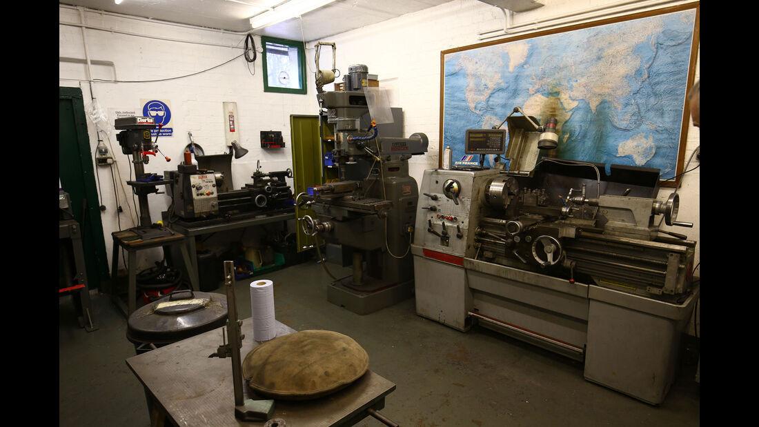 Classic Team Lotus - Lotus Workshop - Werkstatt - Hethel - England