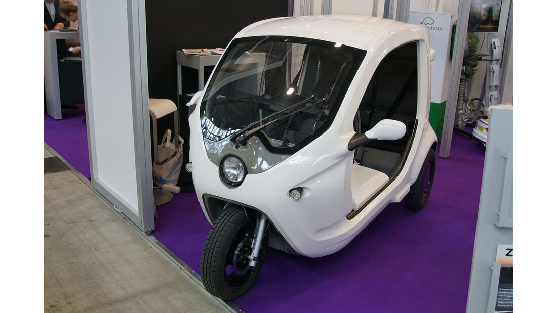 Clean Motion - Zbee RS/RC - Electric Vehicle Symposium 2017 - Stuttgart - Messe - EVS30