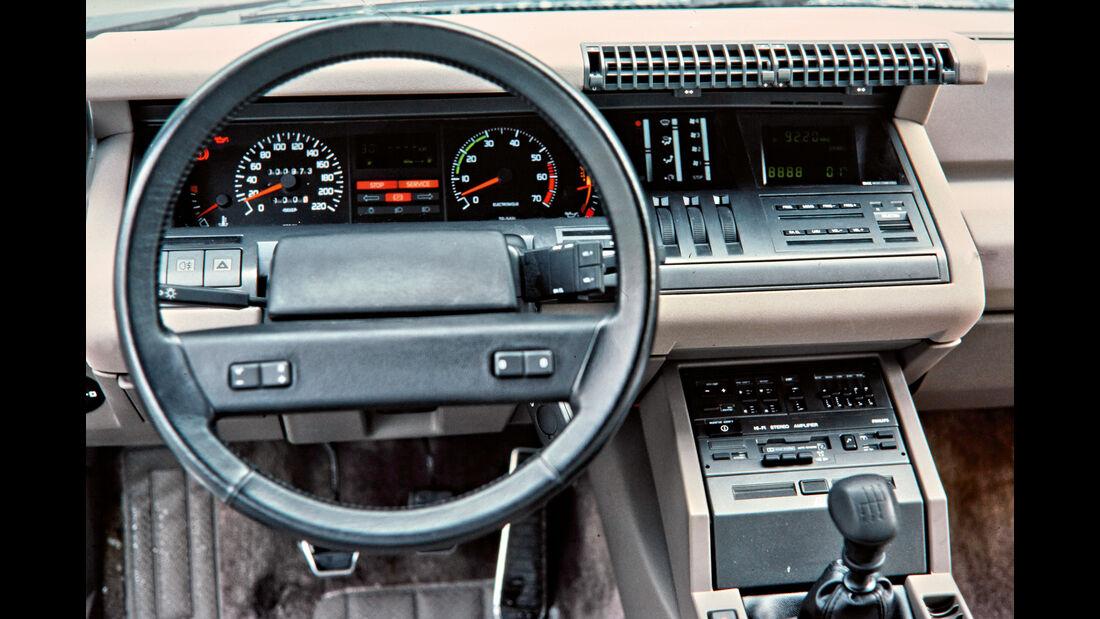 Cockpit 80er Renault 25