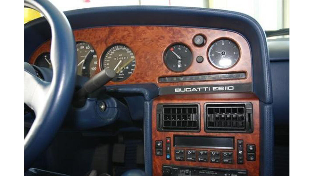 Cockpit Bugatti EB 110 von Michael Schumacher