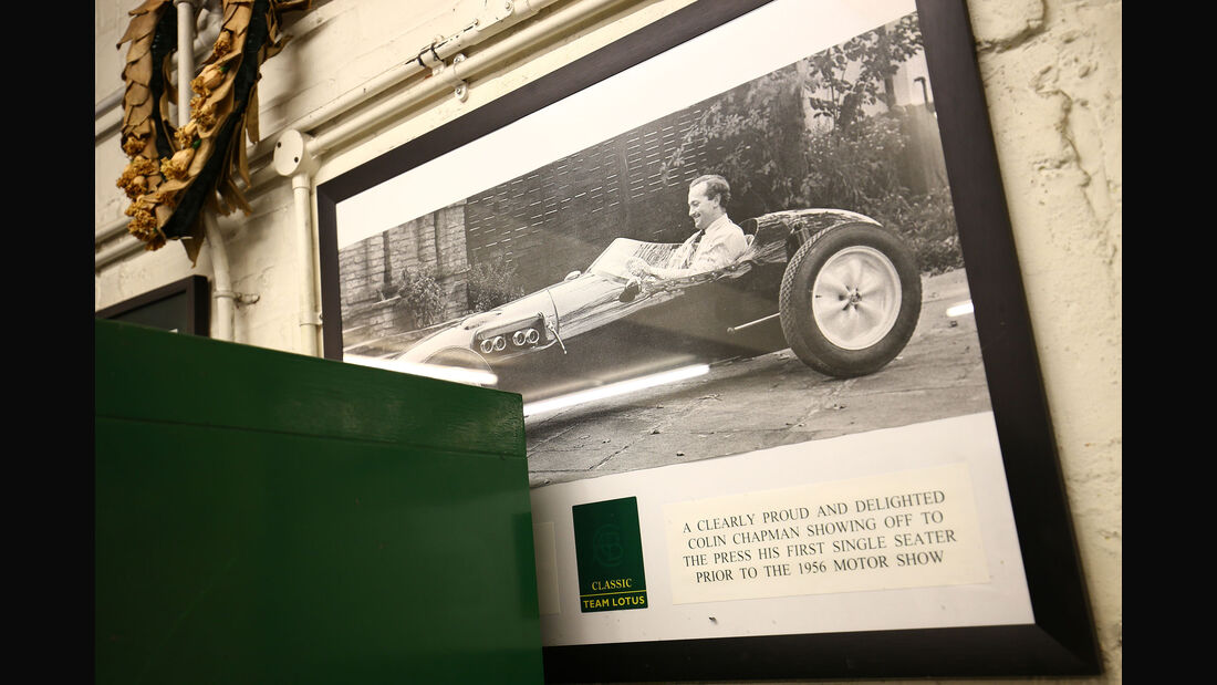 Colin Chapman - Lotus 12 - Classic Team Lotus - Lotus Workshop - Werkstatt - Hethel - England
