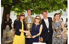 Concorso d Eleganza Villa d Este 2010, Glückliche Gewinner-Familie des Coppa dïOro Villa Deste 2010 von John F. Bookout aus Housten