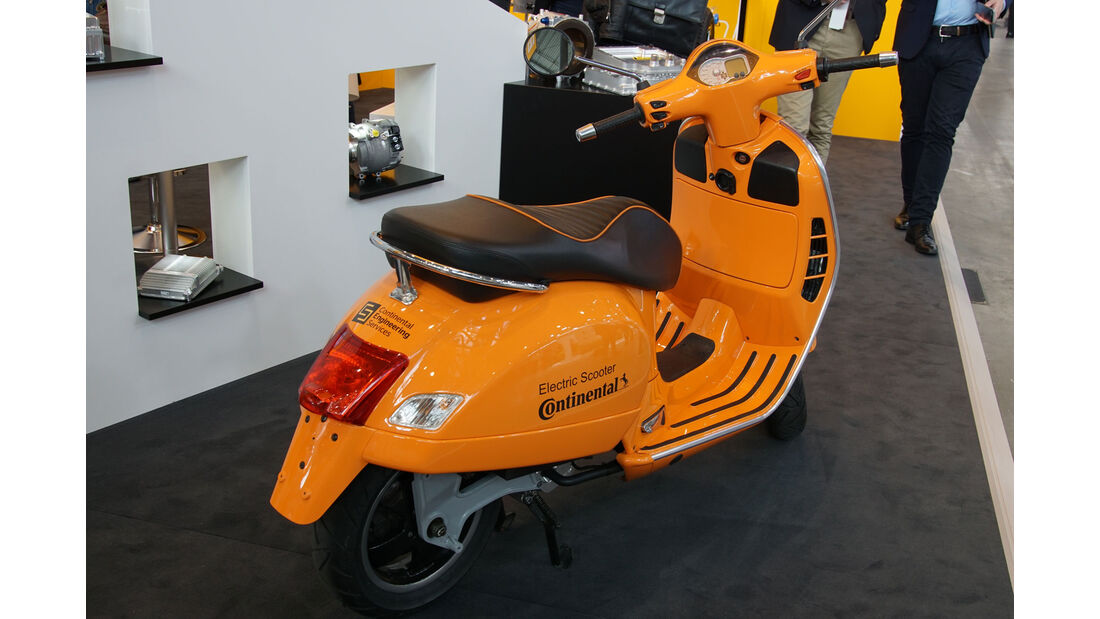 Continental Electric Scooter - Electric Vehicle Symposium 2017 - Stuttgart - Messe - EVS30