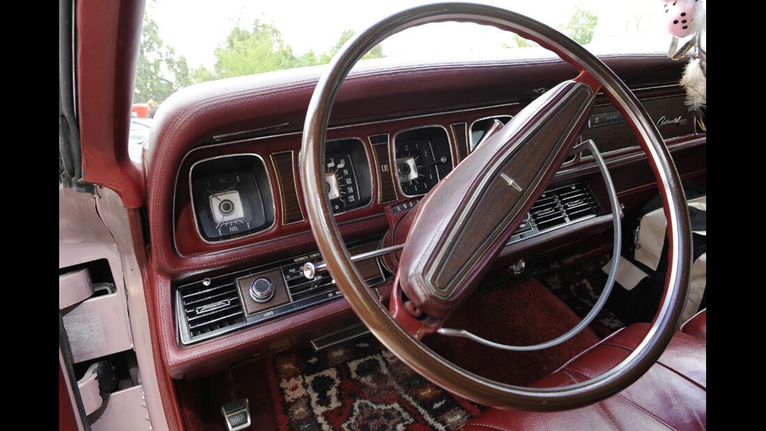 Continental Mark III, Lenkrad, Cockpit