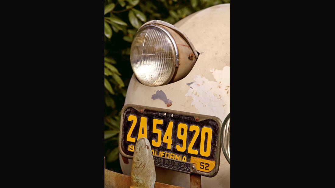 Cord 812, Frontscheinwerfer