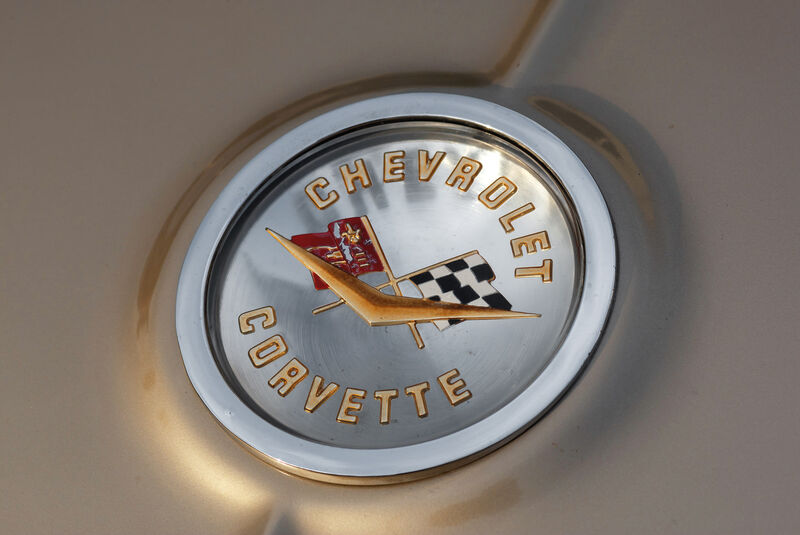 Corvette C1-C3, Emblem