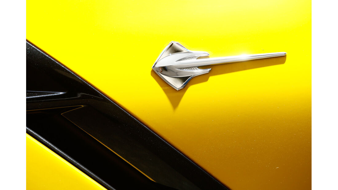 Corvette C7 Stingray, Rochen, Emblem