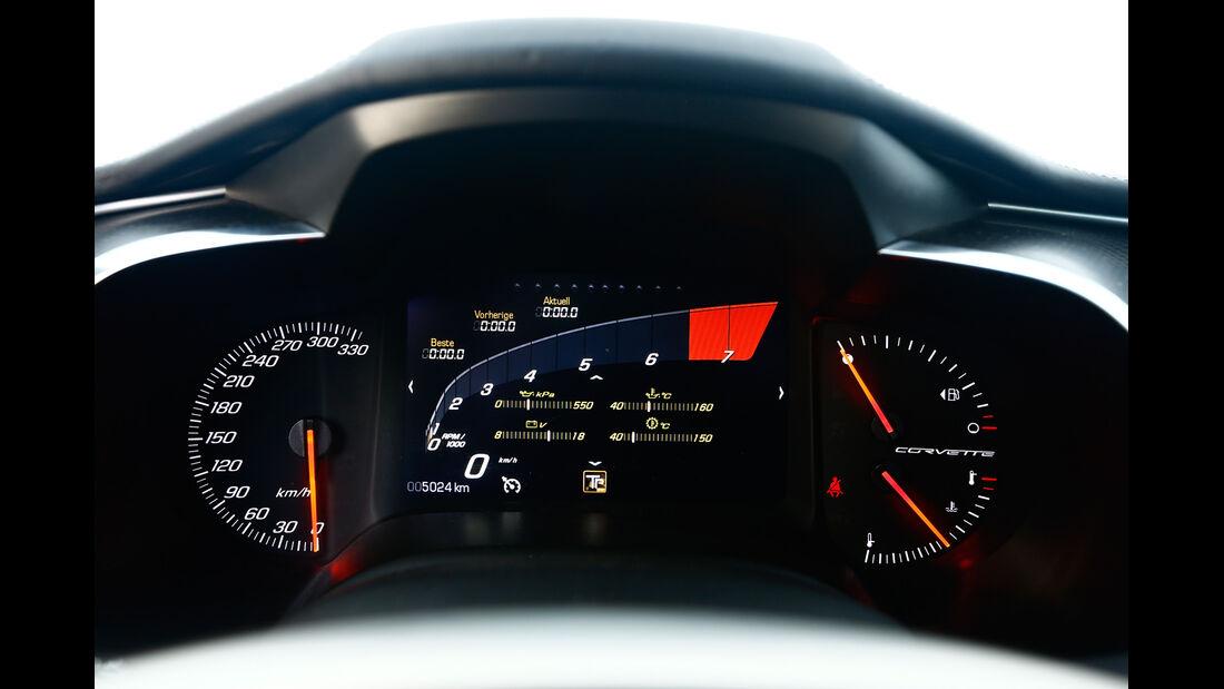 Corvette C7 Stingray, Rundinstrumente, Anzeigen