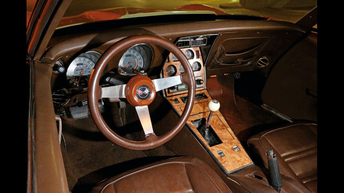 Corvette Stingray Coupé, Cockpit