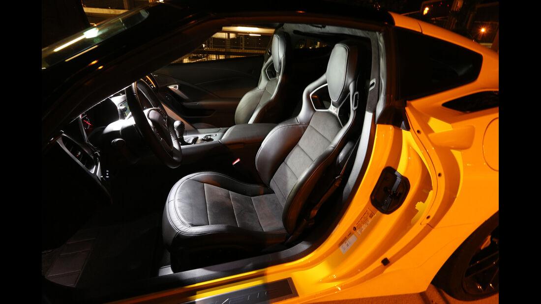 Corvette Stingray Coupé, Fahrersitz