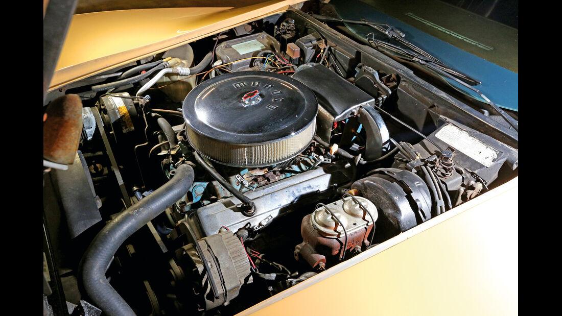 Corvette Stingray Coupé, Motor