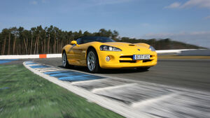 Corvette Z06 – Dodge Viper SRT-10 03