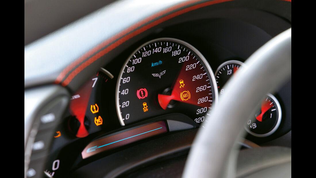 Corvette ZR1, Tacho, Rundinstrumente