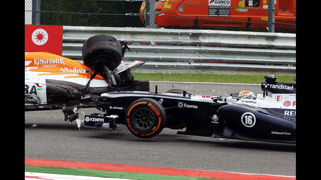Crash Maldonado vs. Di Resta - GP Belgien 2013