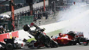 Crash Start GP Belgien 2012 Hamilton Grosjean Alonso