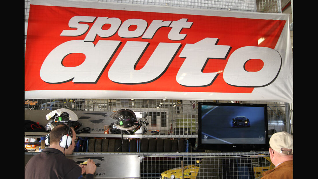 Crash, Unfall, Boxengasse, VLN, Langstreckenmeisterschaft, Nürburgring