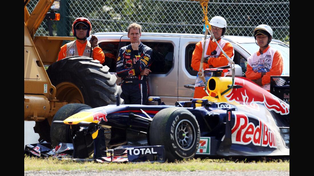 Crash Vettel - Formel 1 - GP Japan - 07. Oktober 2011
