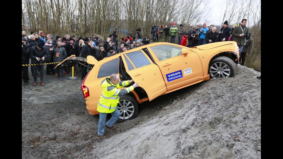 Crashtest, Volvo XC90, ditch-test