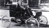 Curved Dash Oldsmobile Bj.1901