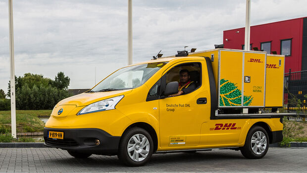 DHL Post Nissan NV200 Postauto