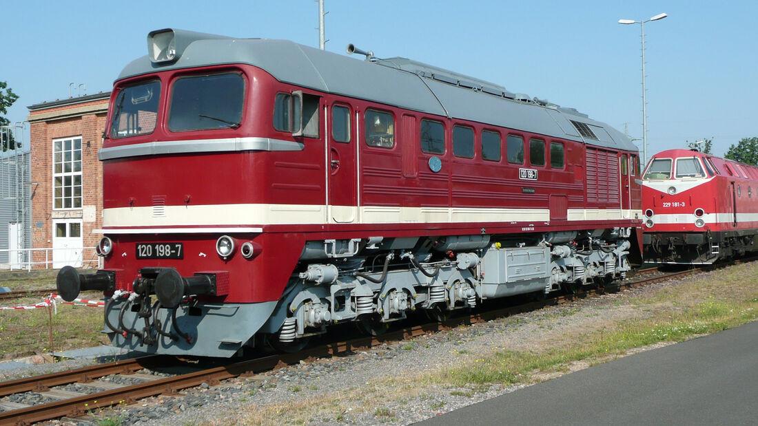 DR-Baureihe V 200 Diesel-Lok DDR