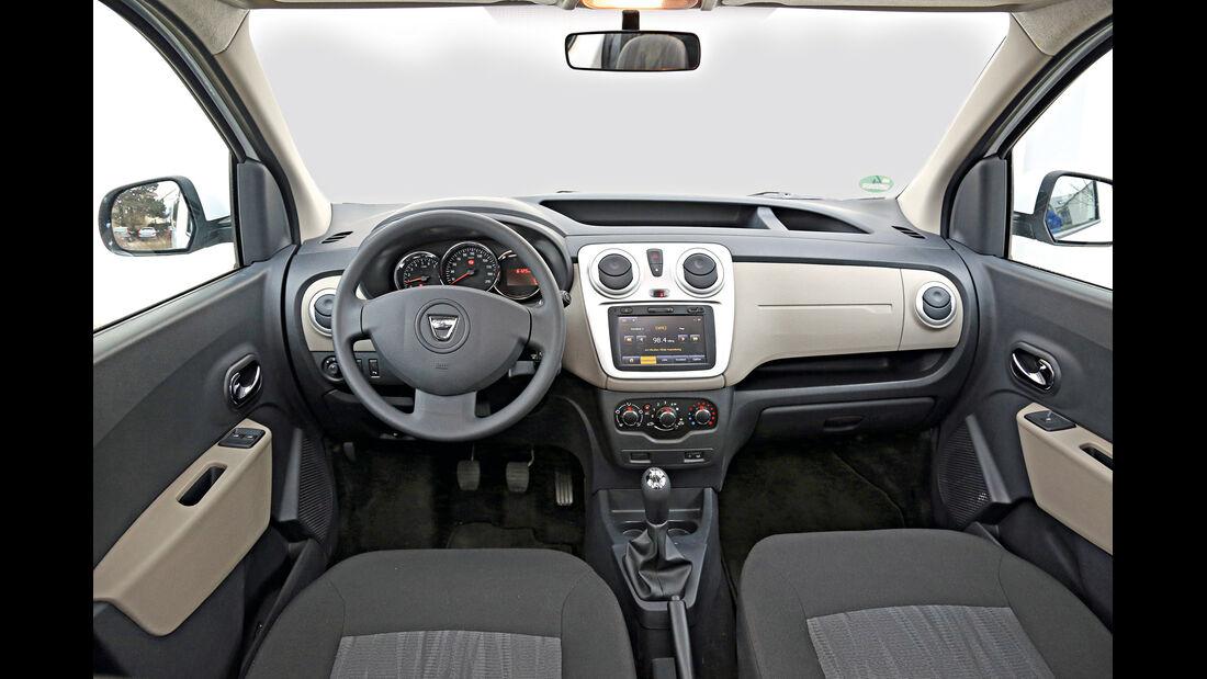 Dacia Dokker dCi 90, Cockpit, Lenkrad