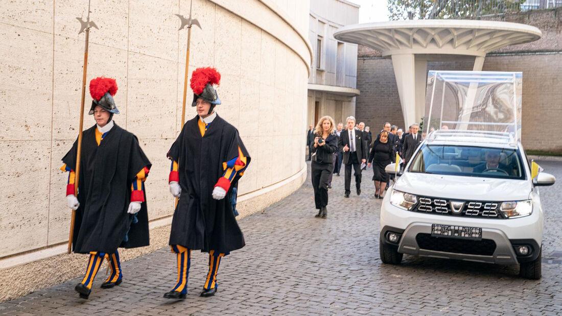 Dacia Duster Papamobil 2019