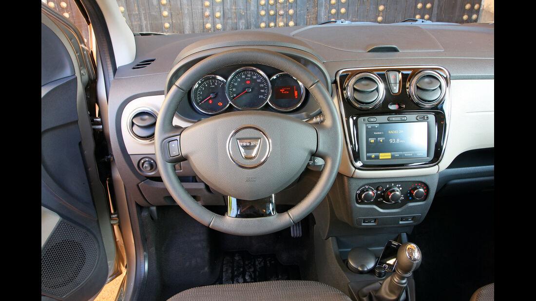 Dacia Lodgy, Lenkrad, Cockpit