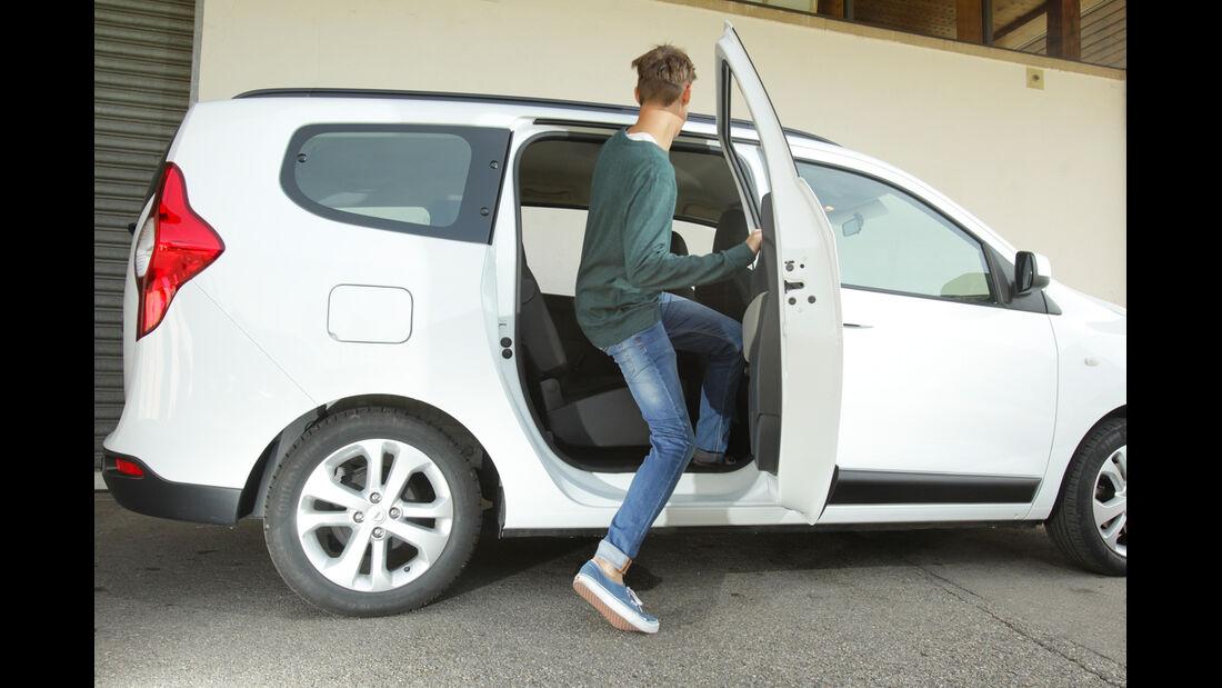 Dacia Lodgy dCi 110, Seitentür, einsteigen