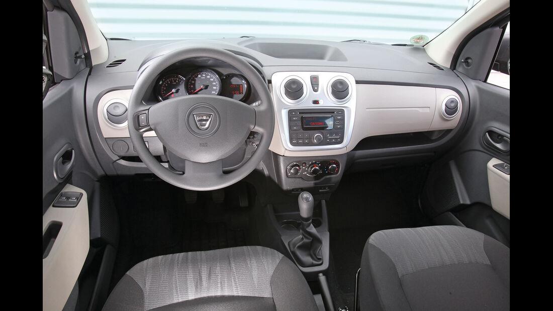 Dacia Lodgy dCi 90, Cockpit