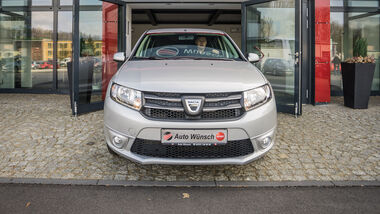 Dacia Sandero, Front