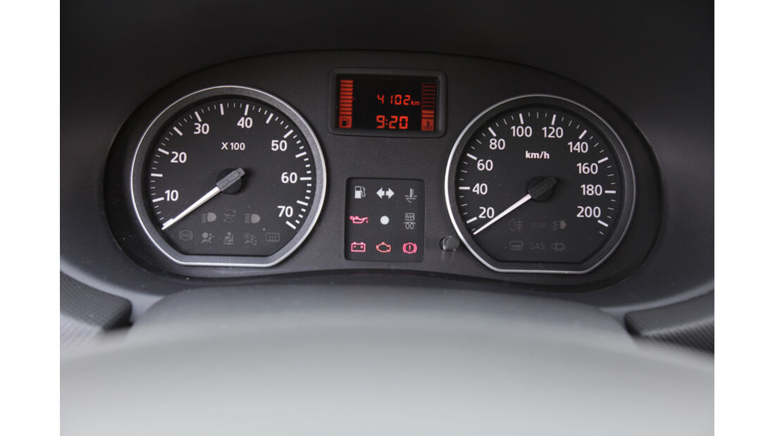 Dacia Sandero Stepway DCi 90, Tacho, Anzeigeinstrumente