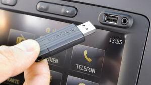 Dacia Sandero, USB, Aux-Anschluss