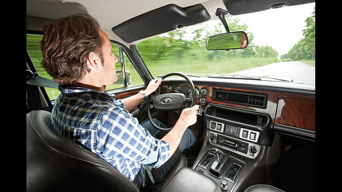 Daimler Double Six, Cockpit, Fahrersicht