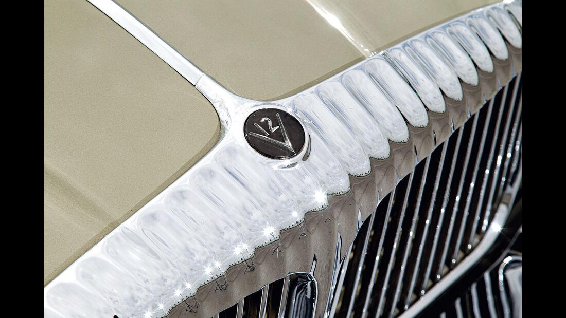 Daimler Double Six, Emblem, Kühlergrill