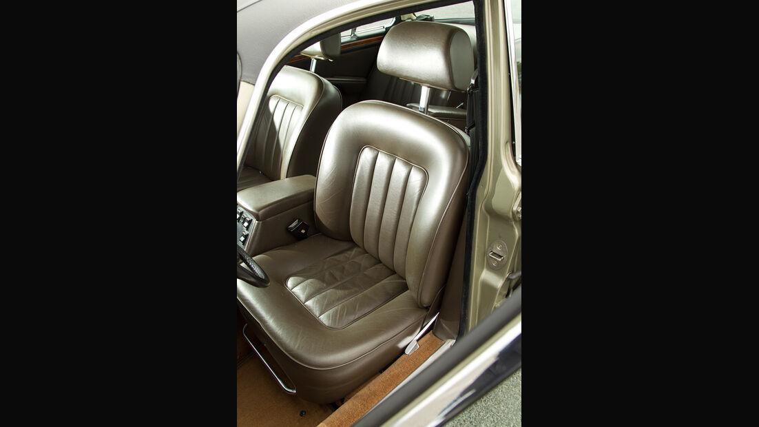 Daimler Double Six, Fahrersitz