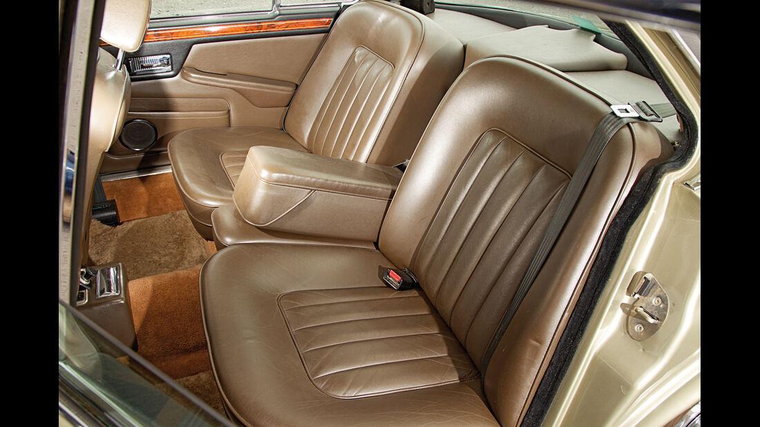 Daimler Double Six, Fondsitze