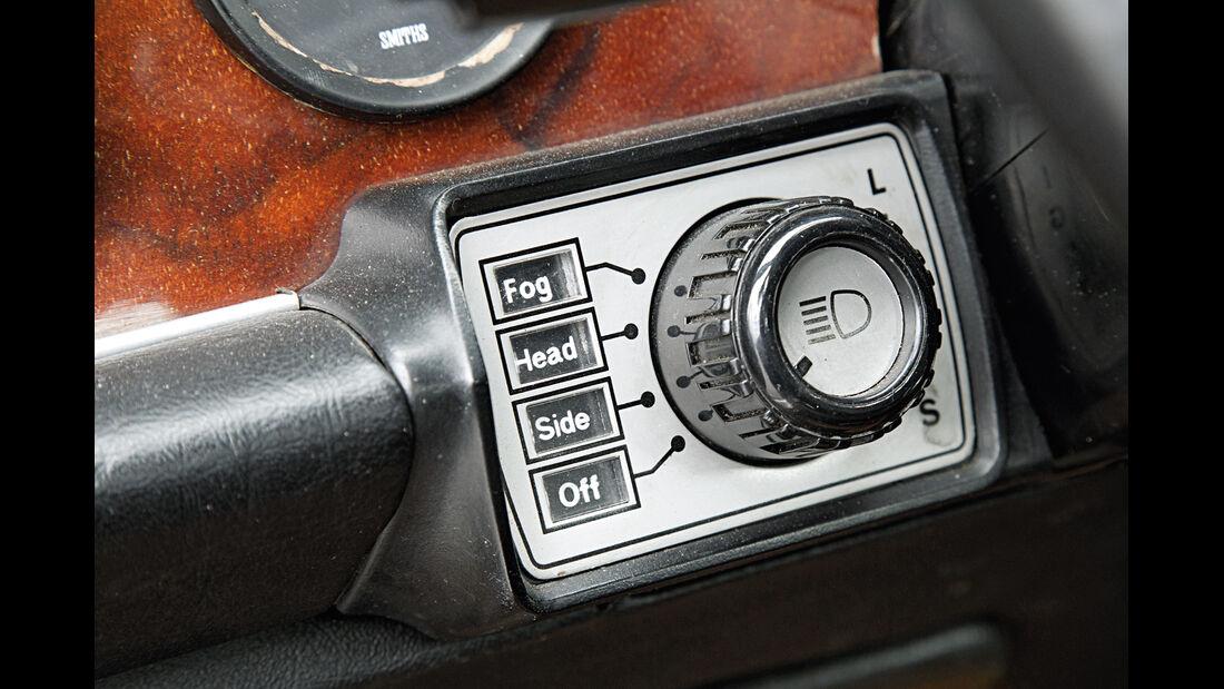 Daimler Double Six, Lichtschalter