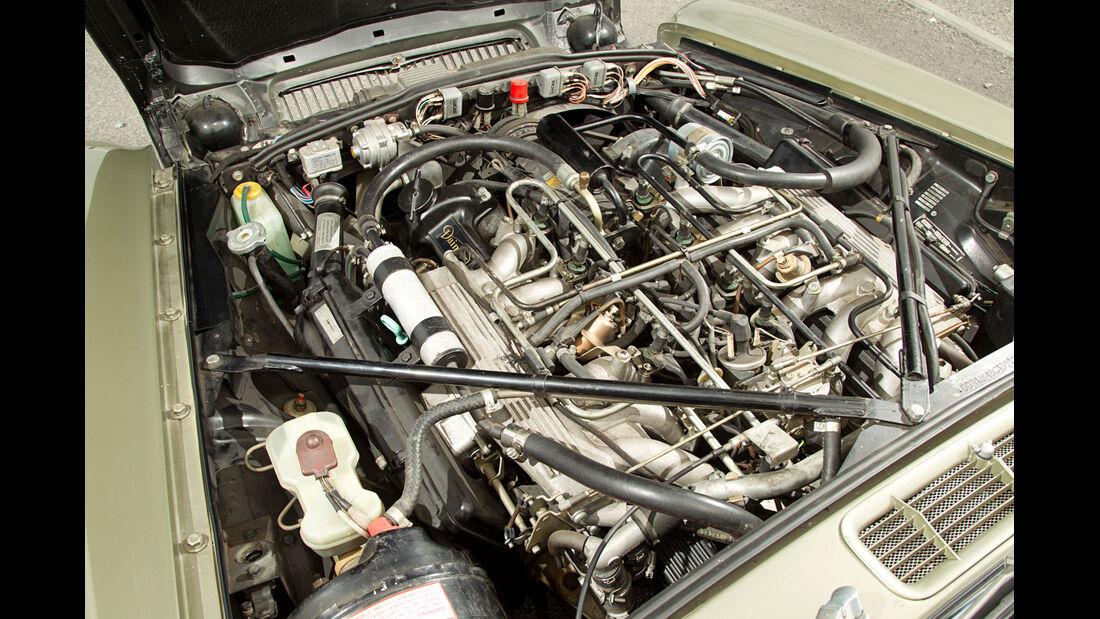 Daimler Double Six, Motor