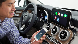 Daimler Mercedes ios Apple