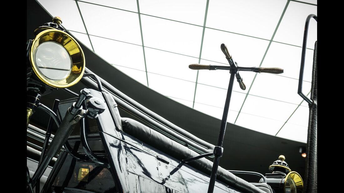 Daimler Motorkutsche - Mercedes-Museum - Lenkung