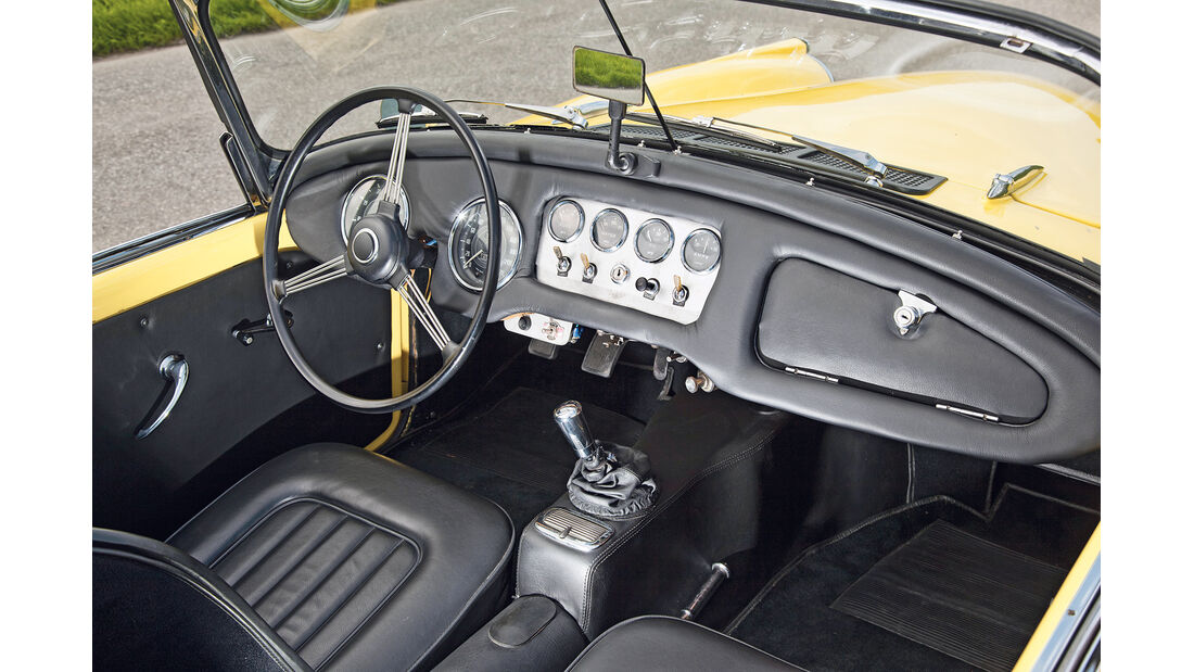 Daimler SP 250, Lenkrad, Cockpit
