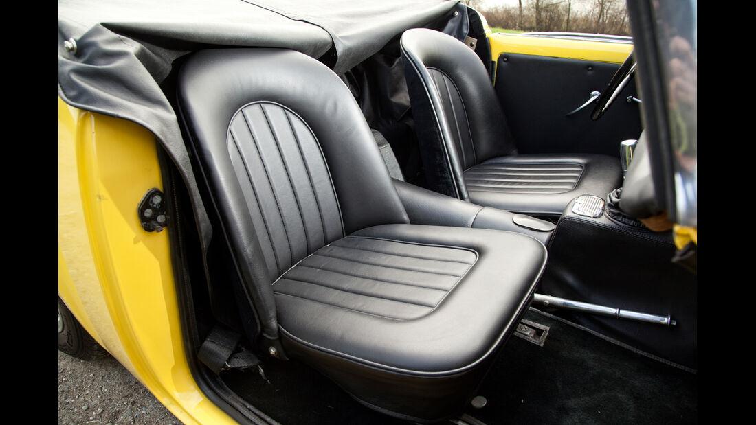 Daimler SP 250, Sitze