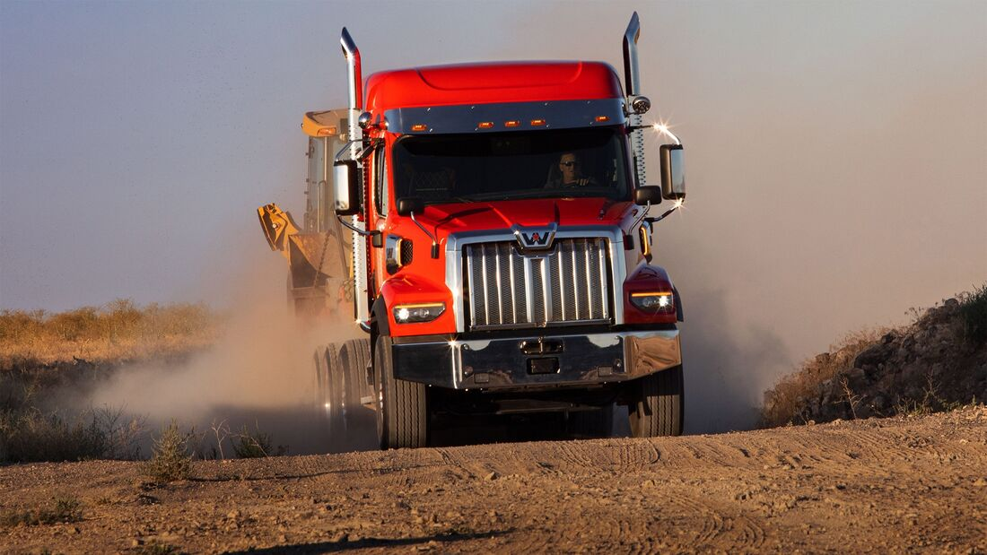 Daimler Trucks North America Western Star 49X