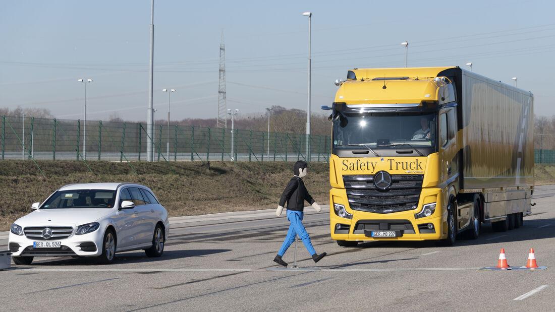 Daimler Trucks – Presentation at the EVZ in Wörth, February 2019  Daimler Trucks – Presentation at the EVZ in Wörth, February 2019