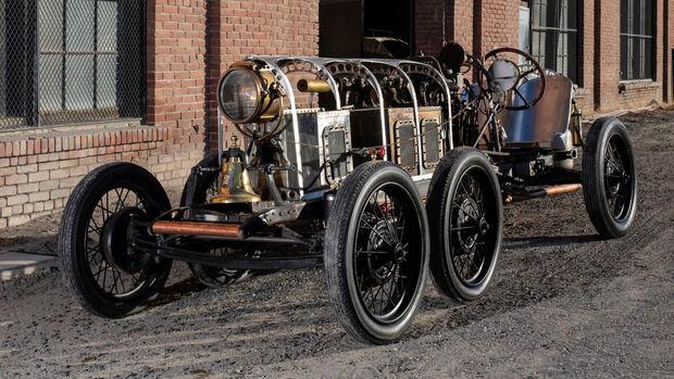 Dampf Roadster mit sechs Rädern