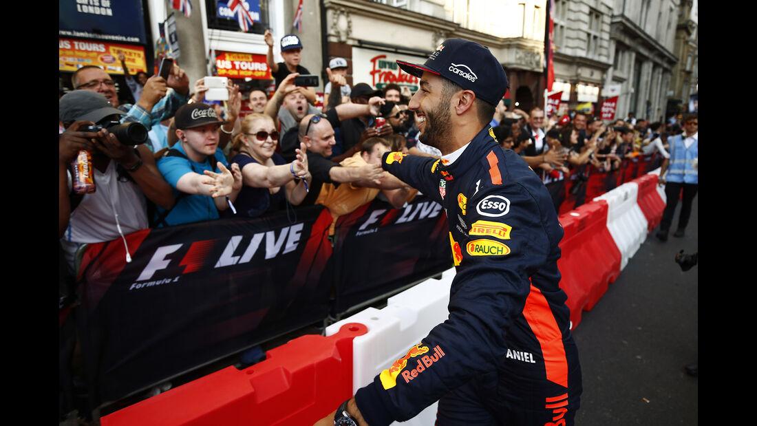 Daniel Ricciardo - F1 Live Show - London - 2017
