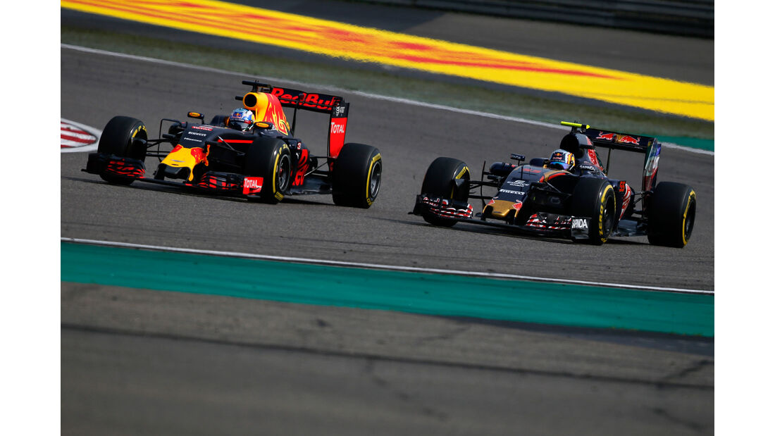 Daniel Ricciardo - Red Bull - Carlos Sainz - Toro Rosso - GP China 2016 - Shanghai - Rennen