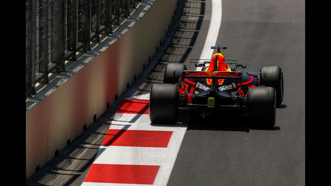 Daniel Ricciardo - Red Bull - Formel 1 - GP Aserbaidschan 2017 - Training - Freitag - 23.6.2017