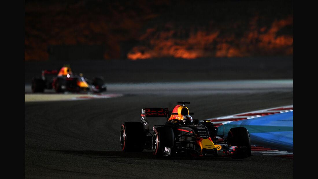 Daniel Ricciardo - Red Bull - Formel 1 - GP Bahrain - Sakhir - Training - Freitag - 14.4.2017